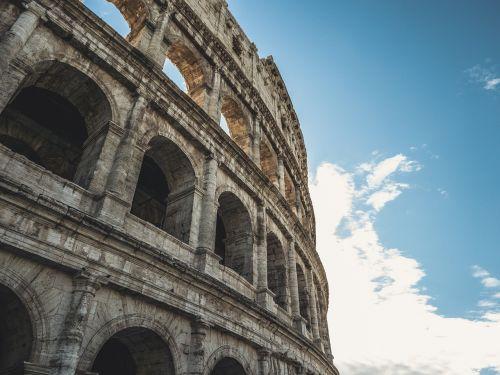 colosseum rome tourist