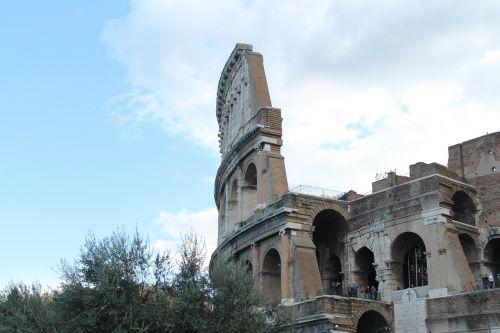 colosseum rome monument