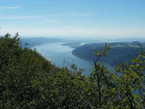 columbia gorge river gorge
