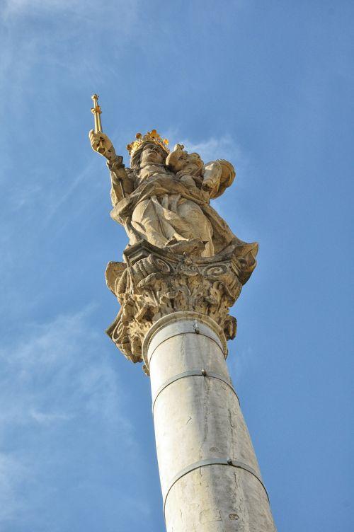 column monument sculpture