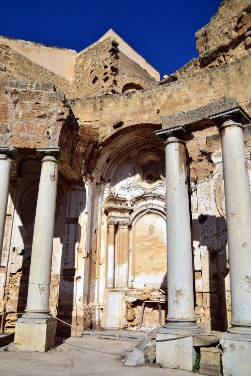 columnar ruin destroyed