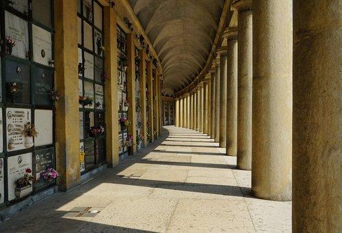 columnar  arcade  architecture