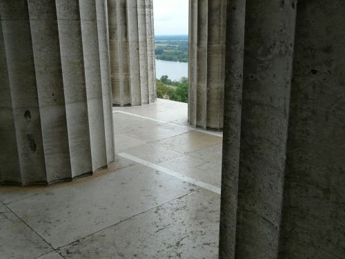 columnar arcade labyrinth