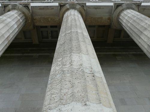 columnar walhalla memorial