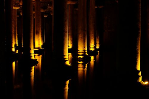 columns lighting contrast