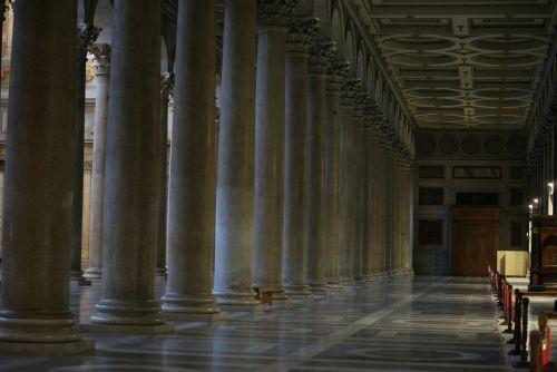 columns floor church