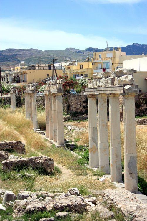 columns greece ancient