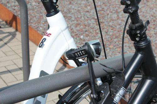 combination lock bike castle