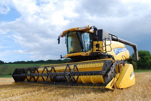 combine harvester agriculture harvesting