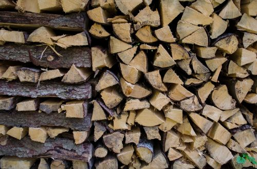 combs thread cutting background firewood