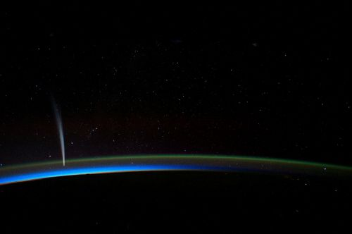 comet lovejoy from iss international space station