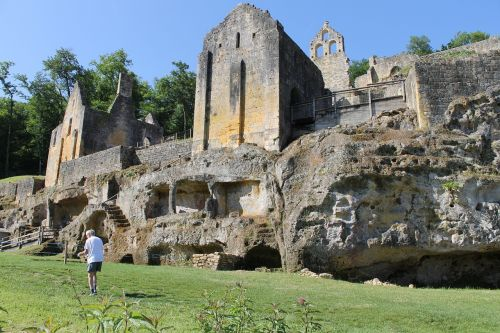 commarques sireuil region castle
