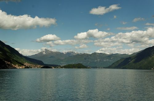 como,schönwetter sky,mountains and lake,blue sky,cumulus clouds,nice weather