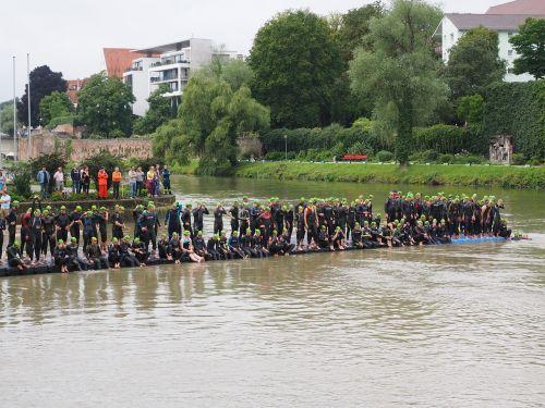 competition start swim