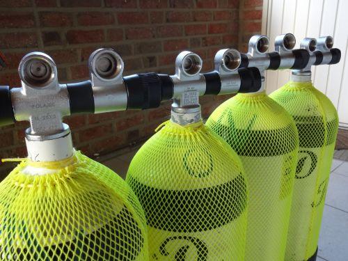 compressed air cylinders diving breathing air
