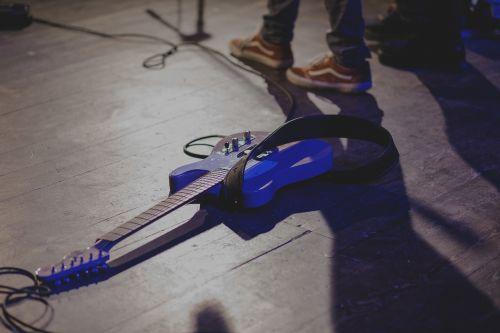 concert electric fender