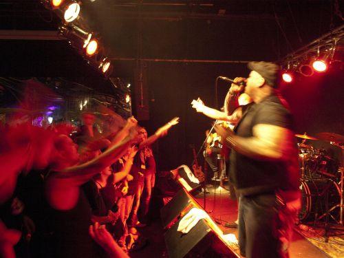 concert underground rock