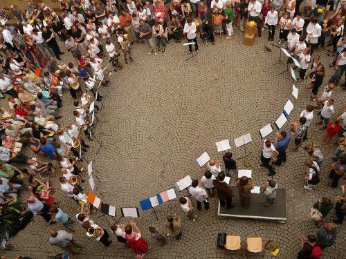 concert human human circle