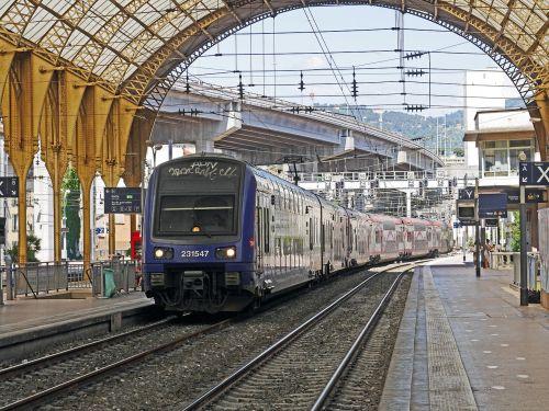 concourse doppelstockzug regional train