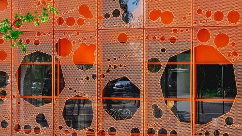 susivienijimas,architektūra,dekonstrukcija,fasadas,šiuolaikinė architektūra,kubas oranžinis,šiuolaikinis,Lyon
