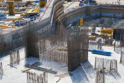 construction  daniel  steel