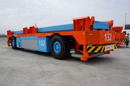 container carrier truck