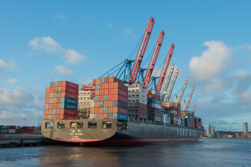 container ship frachtschiff freighter