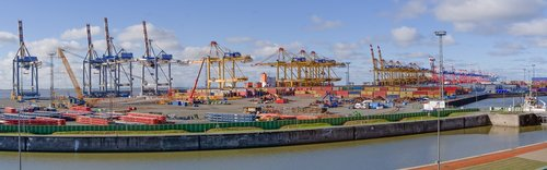 container terminal  container handling  cranes