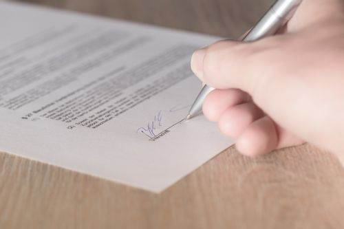 contract signature lease