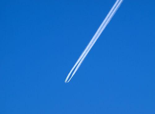 contrail flogzeug sky