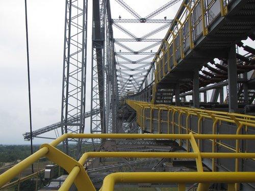 conveyor bridge  takraf  carbon