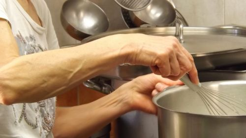 virėjas,virtuvė,rankos,puodai,puodai