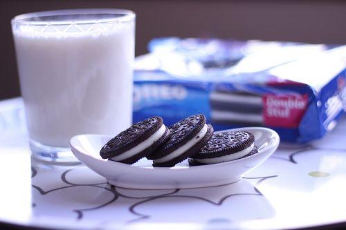 cookies oreo milk