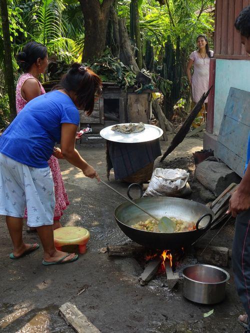 cooking outdoor pot