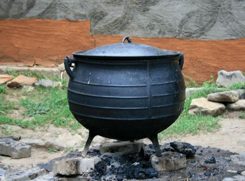 cooking pot black pot cast iron pot