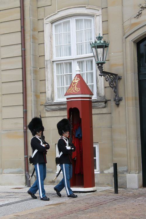 copenhagen denmark palace guards