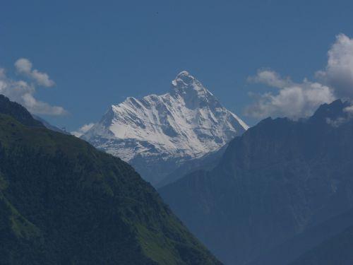 cordillera himalayas snowy mountain