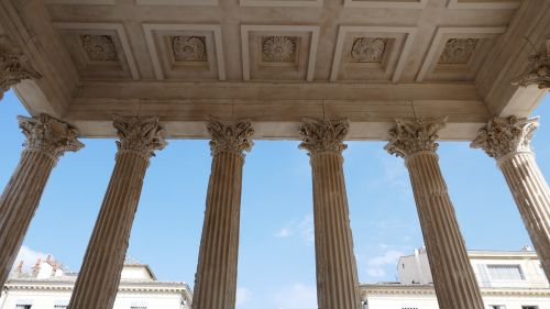 corinthian columns maison caree