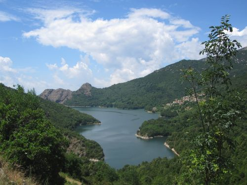 corsica lake nature