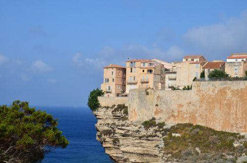 corsican cliff travel