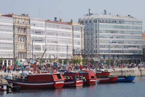 coruña port boats