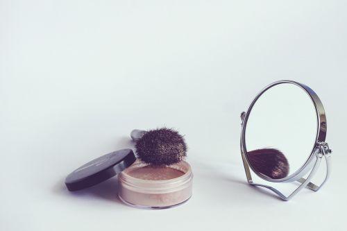 cosmetics powder cosmetic brush