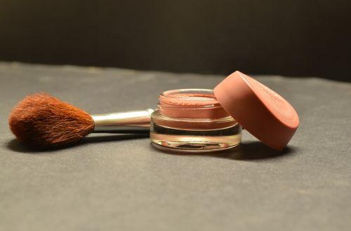 cosmetics brush compact