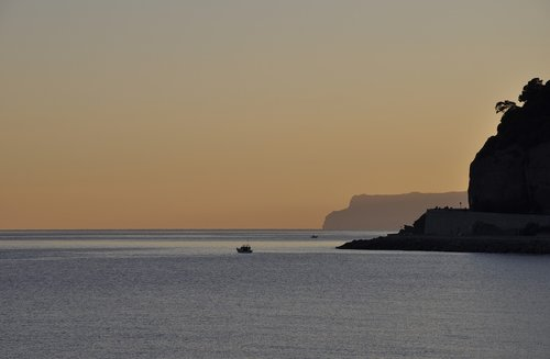 costa  sea  rocks