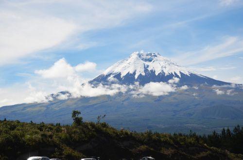 cotopaxi nevado volcano
