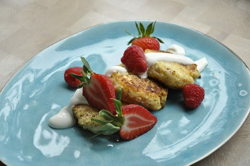 cottage cheese  strawberry  healthy
