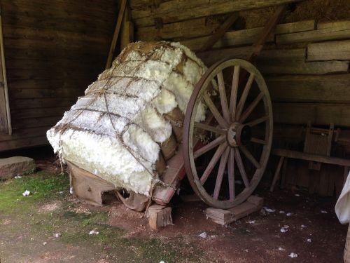 cotton bale wagon