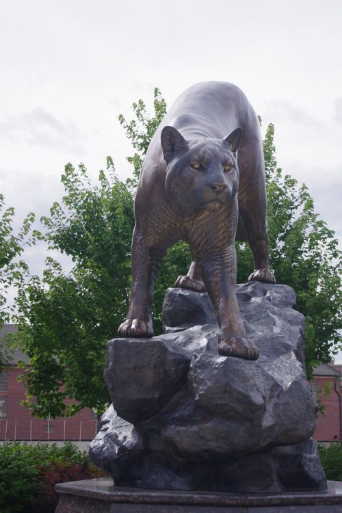 cougar statue mountain lion