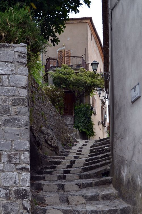 country alley italy