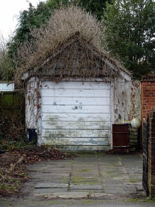 Countryside House Car Garage